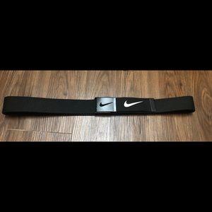 Nike golf adjustable black belt